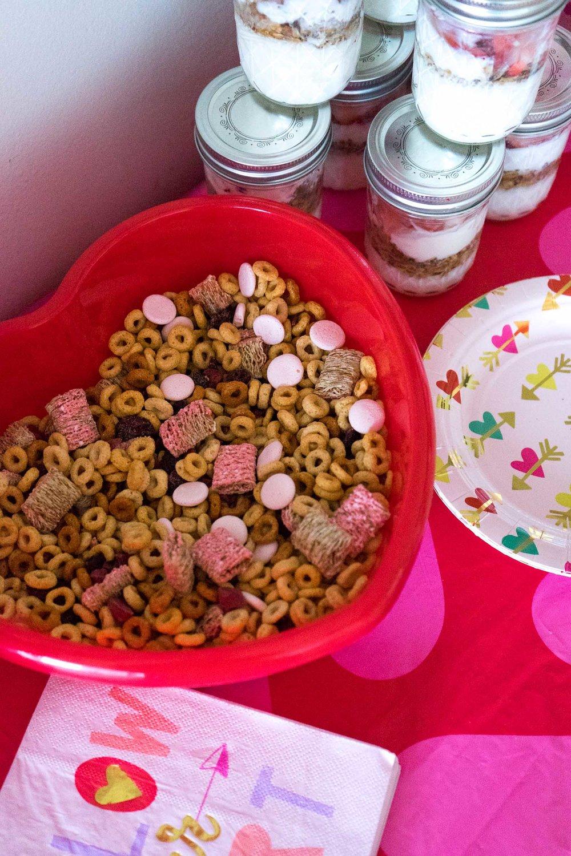 valentines-day-toddler-party_diy-2.jpg