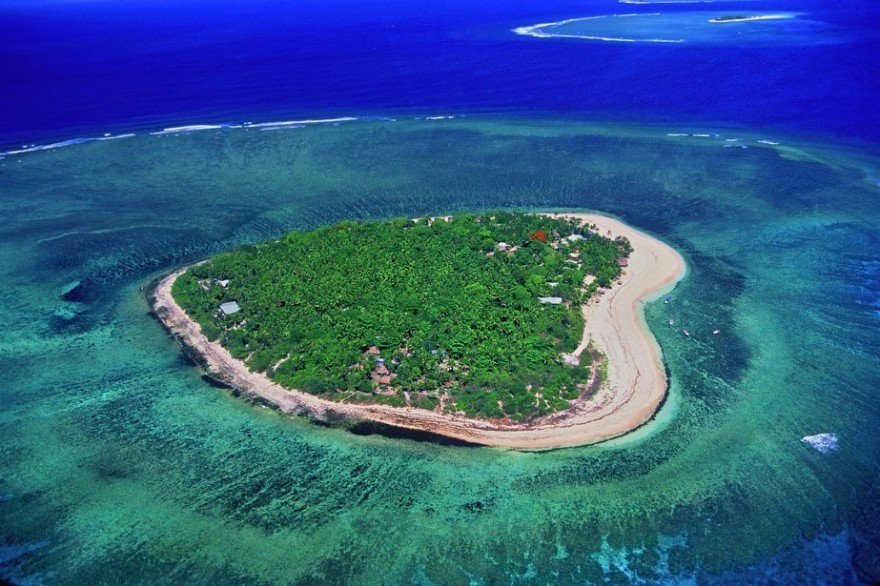 tavarua-heart-shaped-island-in-fiji-1.jpg
