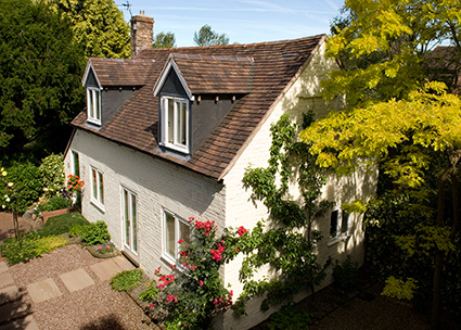GARDEN cOTTAGE. sELF-cATERING ACCOMMODATION IN mUCH wENLOCK