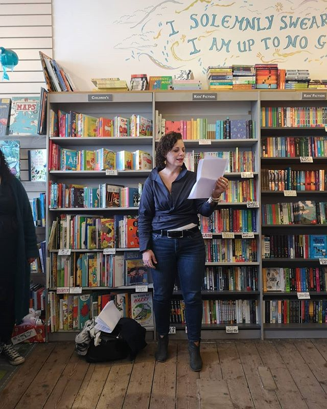 Much fun at the @harbourbooks first open mic night yesterday. Lots of us read. Inspiring pieces from everyone. Hosted by local poet, Rosie Johnston. An unexpected pleasure for me was that someone who came along had just read Turn a Blind Eye with their book group - and they all really enjoyed it!  #openmic #performance #spokenword #poetry #performancepoetry #whitstable #harbourbooks #vickynewham #writing #kent #local #happyauthor