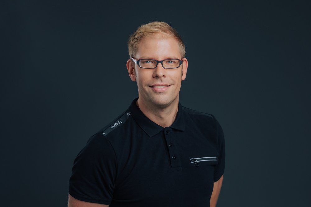 Anze has 18 years of experience providing Microsoft and Linux system IT hardware, software and network support. Anze worked on projects different sector, from government, banks, casinos, and various other businesses.