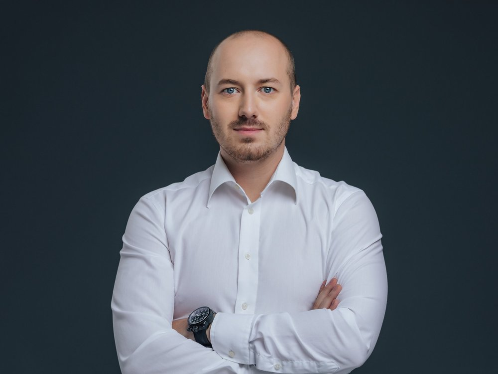 Luka has more than 10 years of experience leading software engineering teams. He also has exceptional understanding of web user experiences and interfaces.