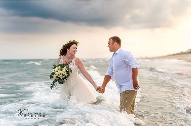 What's more fun than playing in the ocean? How about playing in the ocean on your wedding day? We must say it turns out for some gorgeous photos! . 📷: @kamgoodrichphoto