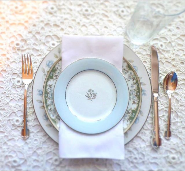 If you want a great way to add some elegant touches to your special day, vintage china will do the trick! Mismatched china looks so pretty and delicate on the table, and your guests will love it. Our new member, @vintagecupbrd has a beautiful selection for your wedding!