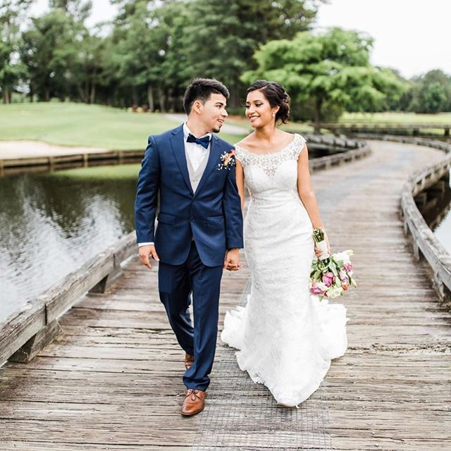 Summer always results in gorgeous outdoor weddings, and sometimes the views are incredible. Nothing beats the views of the water and lush greenery at @riverlandingnc. It's the perfect place for your wedding!