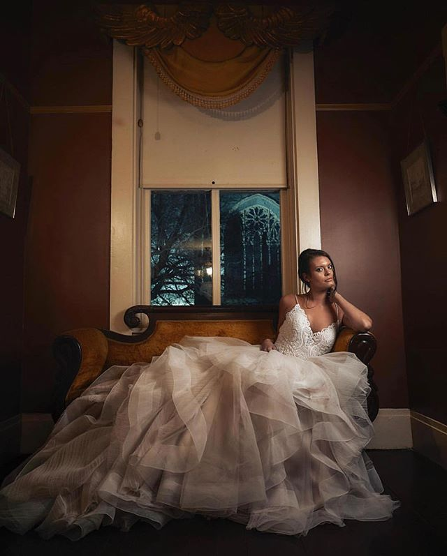 Tomorrow's Halloween! Anyone dressing up as a bride? If so, you should get @marcusanthonyphoto to photograph you, since he clearly has the whole moody, romantic thing down! 😉 . So anyone throwing a great Halloween party, or better yet, a Halloween wedding? . 📷: @marcusanthonyphoto