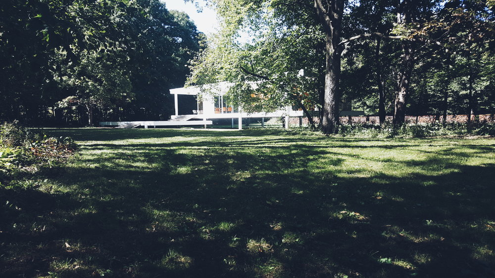 MAISON-ORION_FARNSWORTH-HOUSE-01.jpg