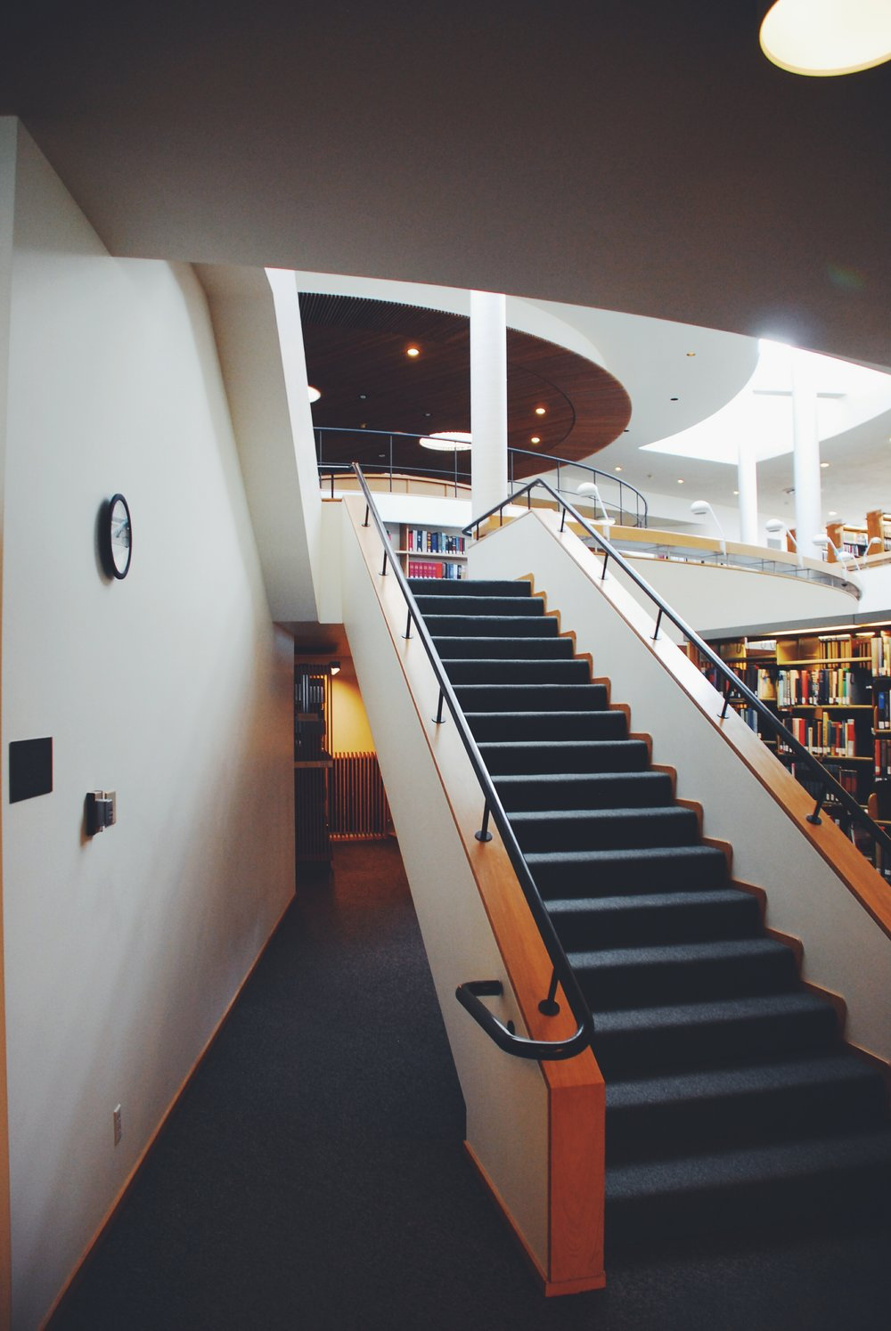 MAISON-ORION_ALVAR-AALTO_MT-ANGEL-LIBRARY_18.jpg