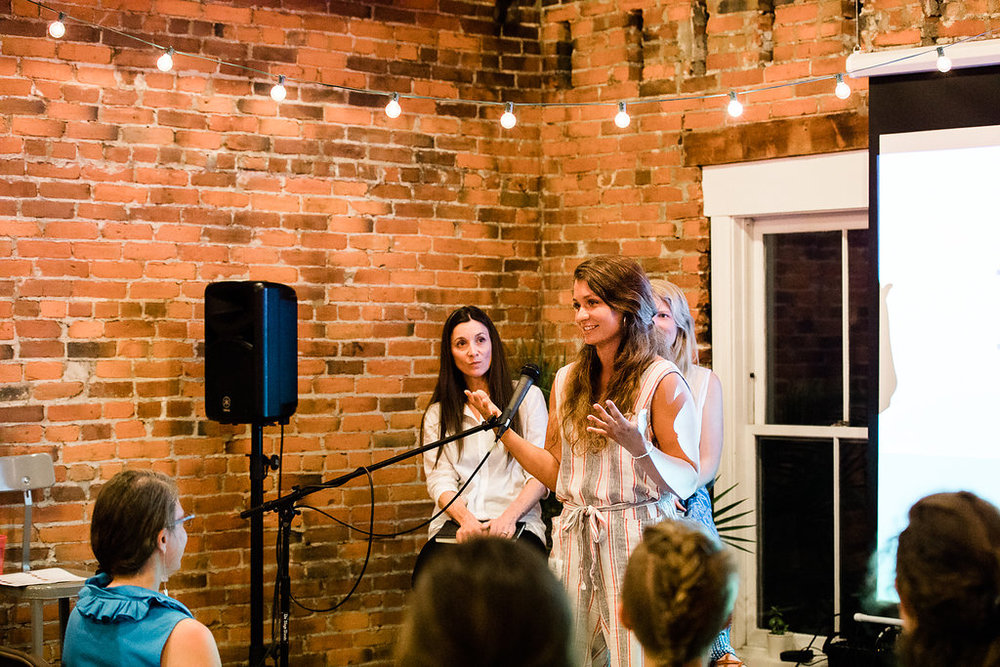 VT womanpreneur Rachael Salerno, from Share to Wear, presenting at the Spring 2018 Showcase. Photo credit: Lauren Mazzotta Photography