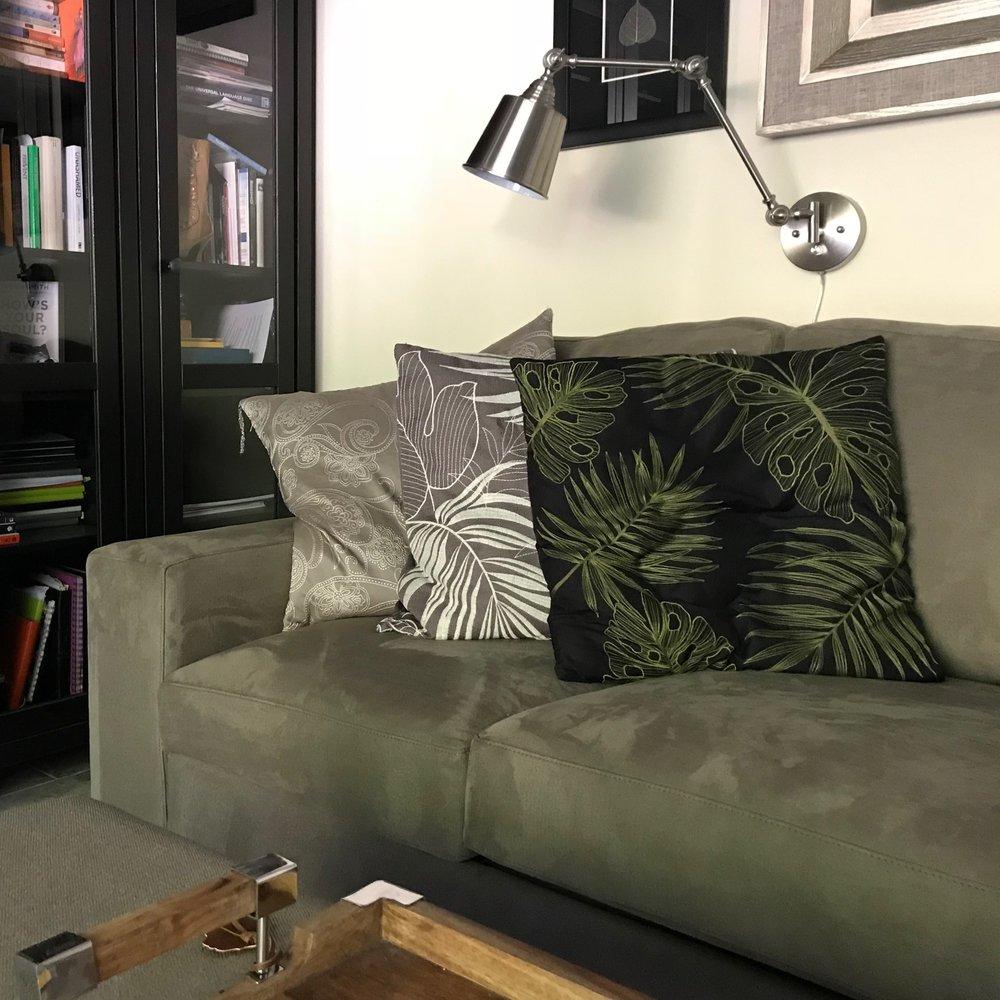 Couch_maggie.jpg