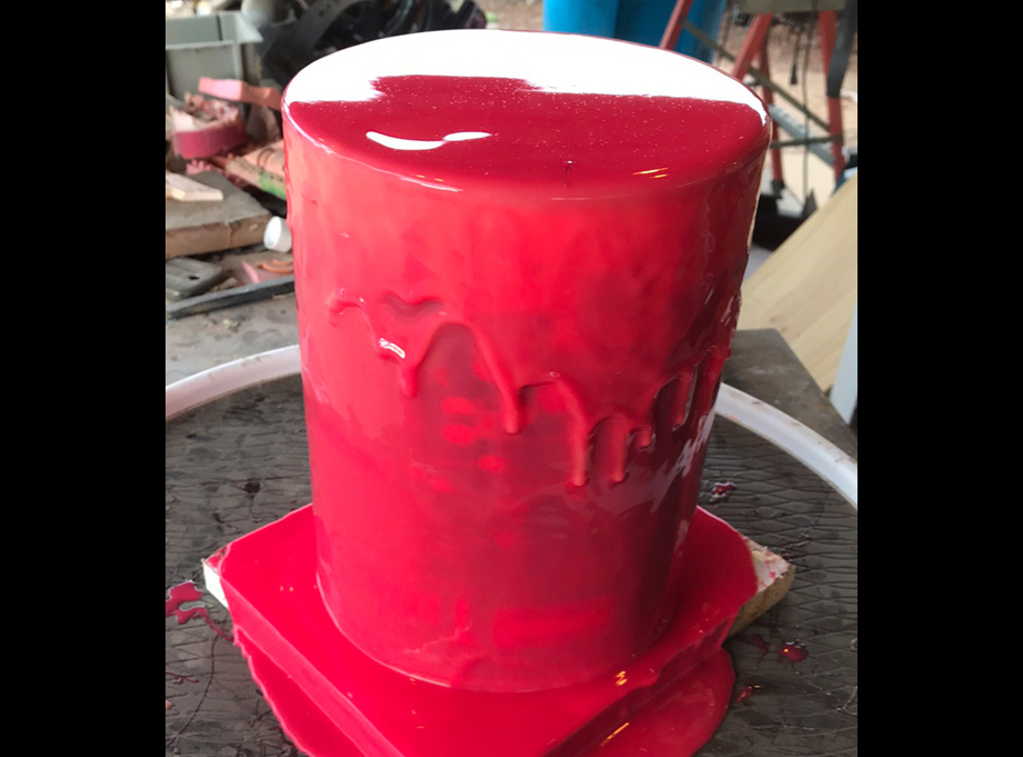I made a mold of the original can.