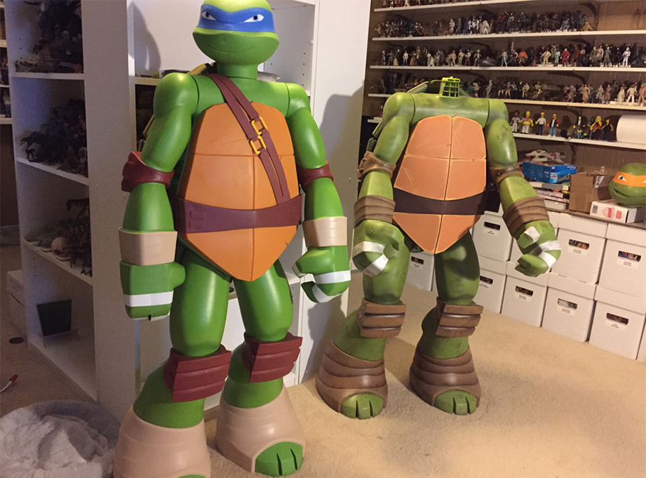 A year later, Jakks Pacific came out with Michelangelo's brother, Leonardo. As tempting as it was to work on him as well, I had to finish Mikey first.