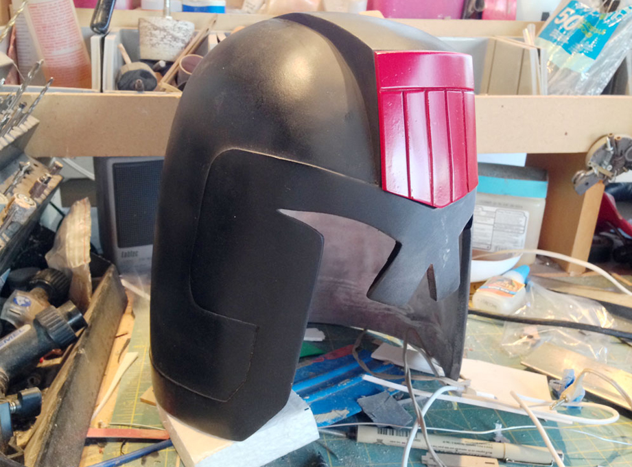 The final helmet with black primer. It's kind of an interesting look…