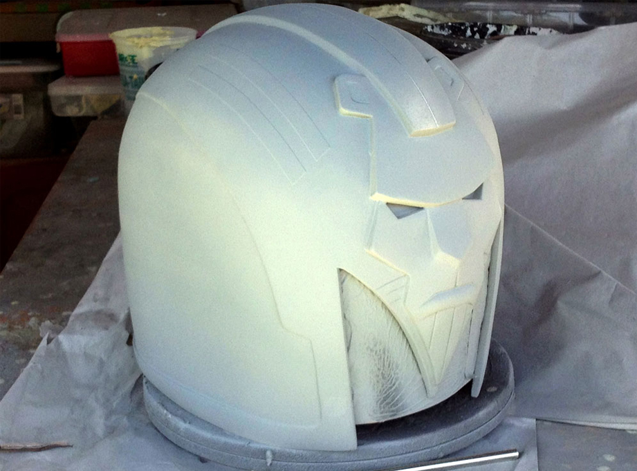 The entire helmet was sprayed with primer to double-check the putty work.