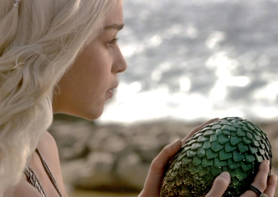 I absolutely love Game of Thrones on HBO (and I'm working my way through the books, but not fast enough to spoil the show). As soon as I saw Daenerys Targaryen pick up a dragon egg, I knew I'd have to make one (or three).