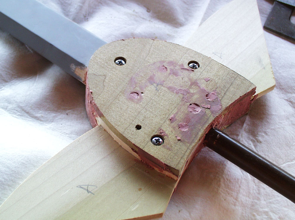 Once everything was bolted and glued together, I puttied up the seams.