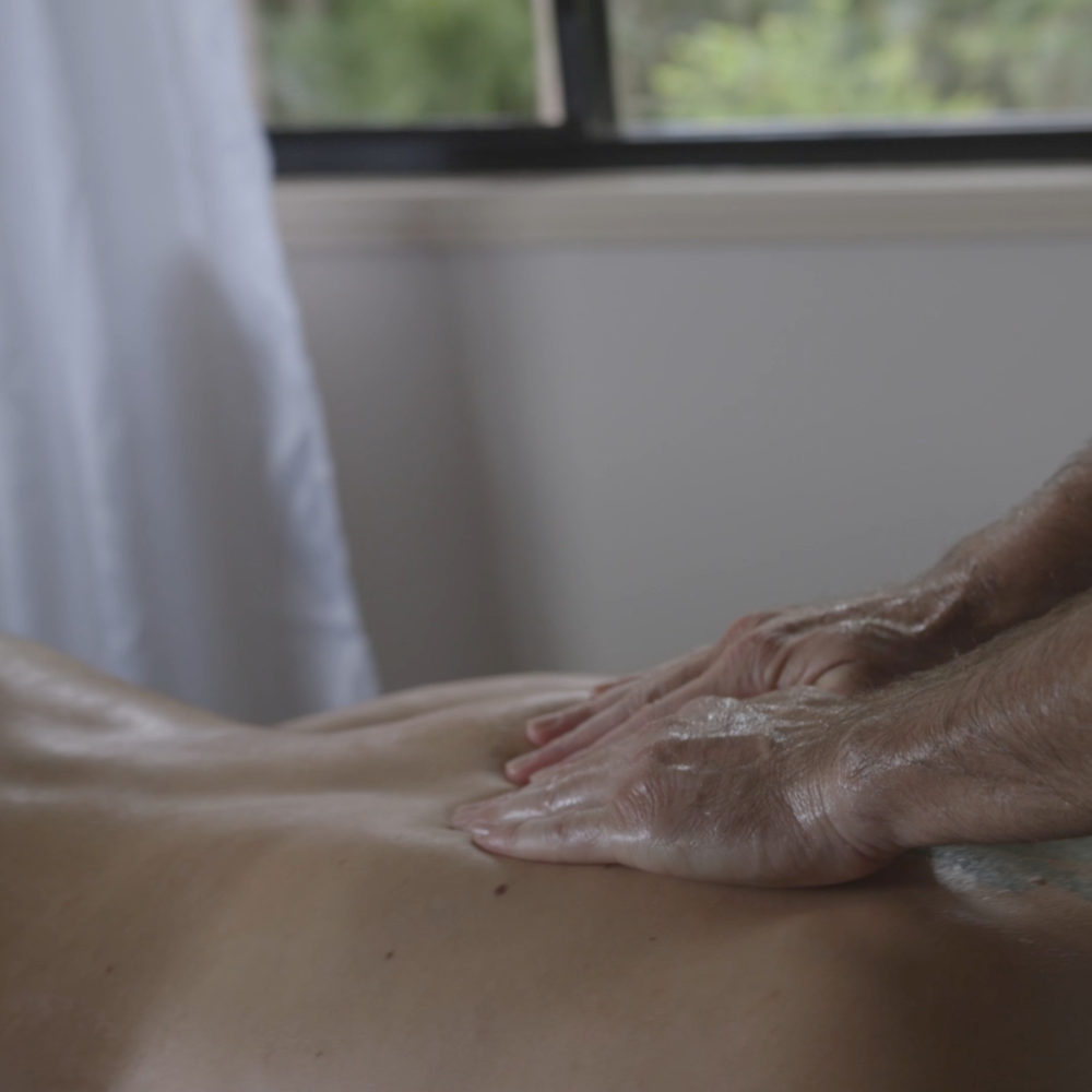 back-massage-noosa.png