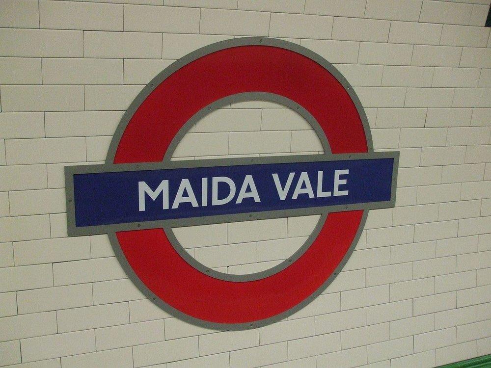 Maida_Vale_stn_roundel.JPG