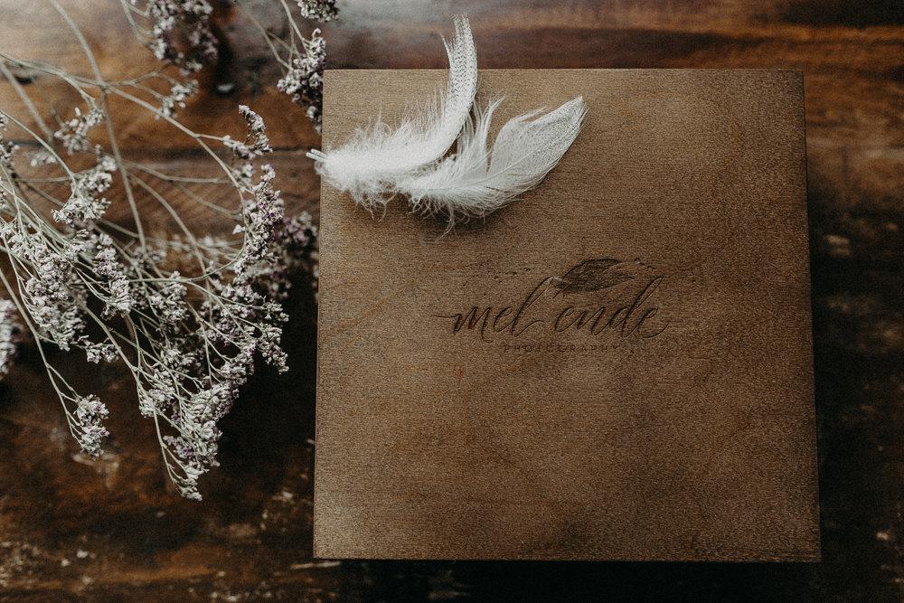 Ein Ort für die liebe - weddingbox + Weddingbook - Erinnerungen tragen wir in unserem Herzen. Sie werden aber erst lebendig wenn wir sie sehen....
