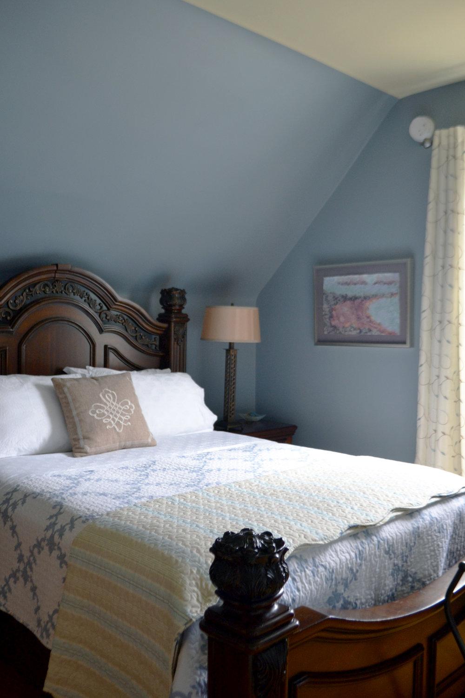 blueroombed.jpg