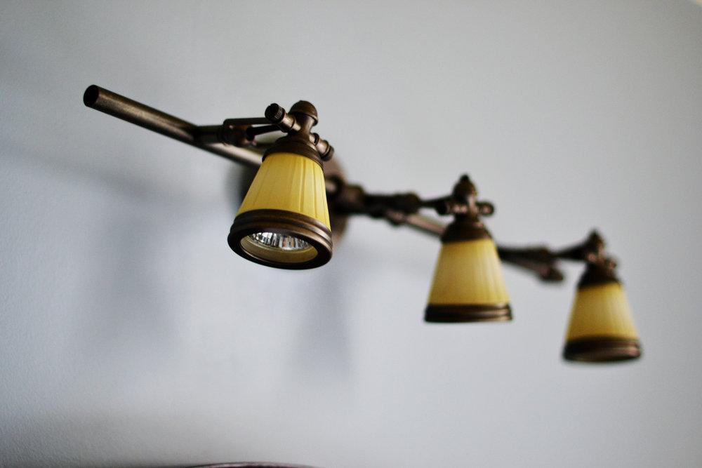 triplelight.jpg