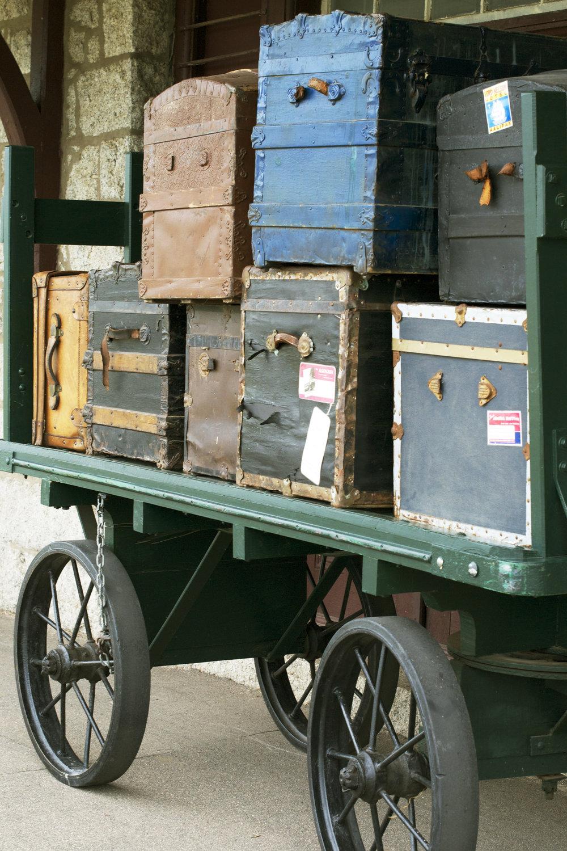 luggage trolley.jpg