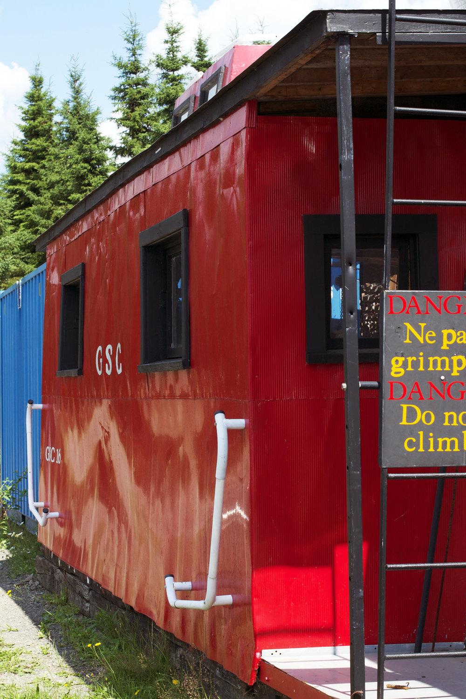 Do-not-climb-on-caboose.jpg