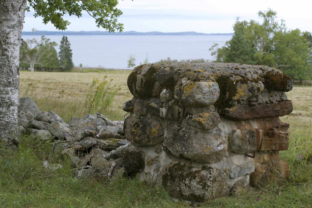 stone-gate-wall.jpg