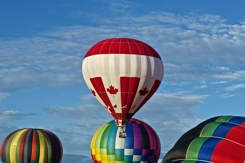 prettyrainbowballoons.jpg