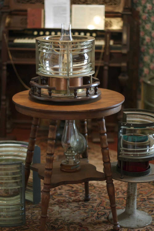 several-lamps-in-palor.jpg