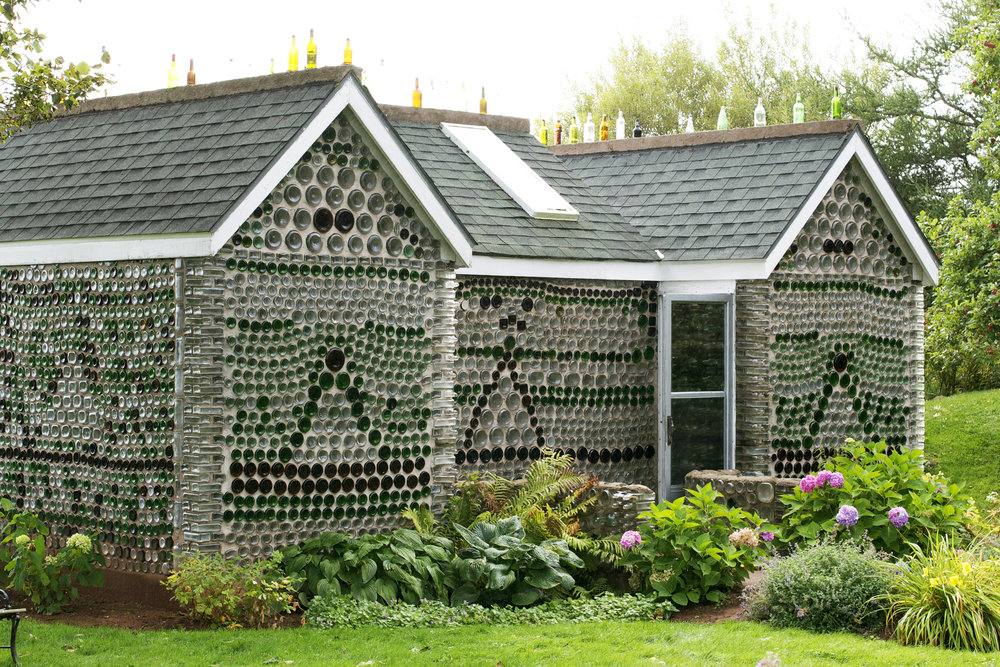 glass-house-garden-in-front.jpg