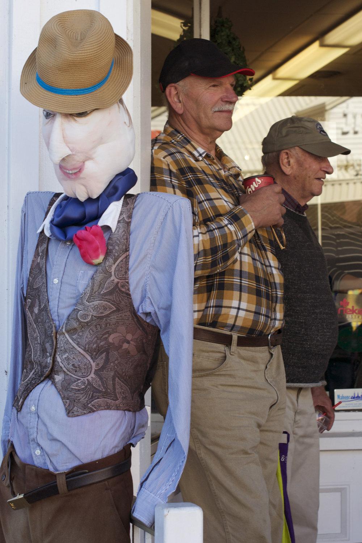old-men-2-real-1-fake.jpg