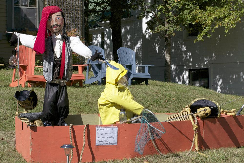 pirate-skeleton-boat.jpg