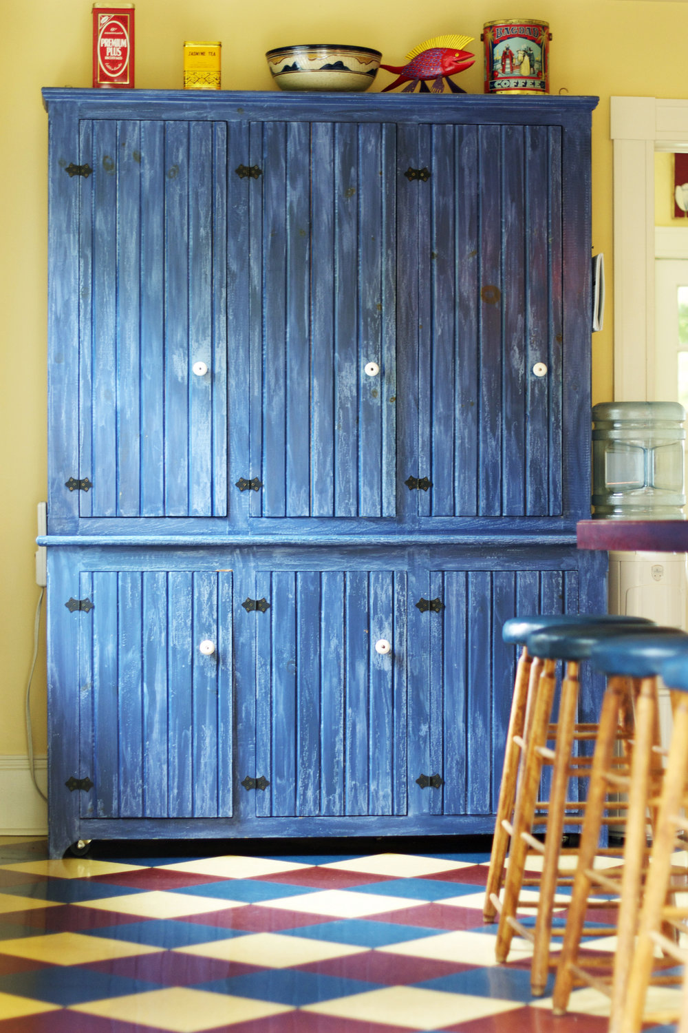 blue-pantry-and-stools.jpg