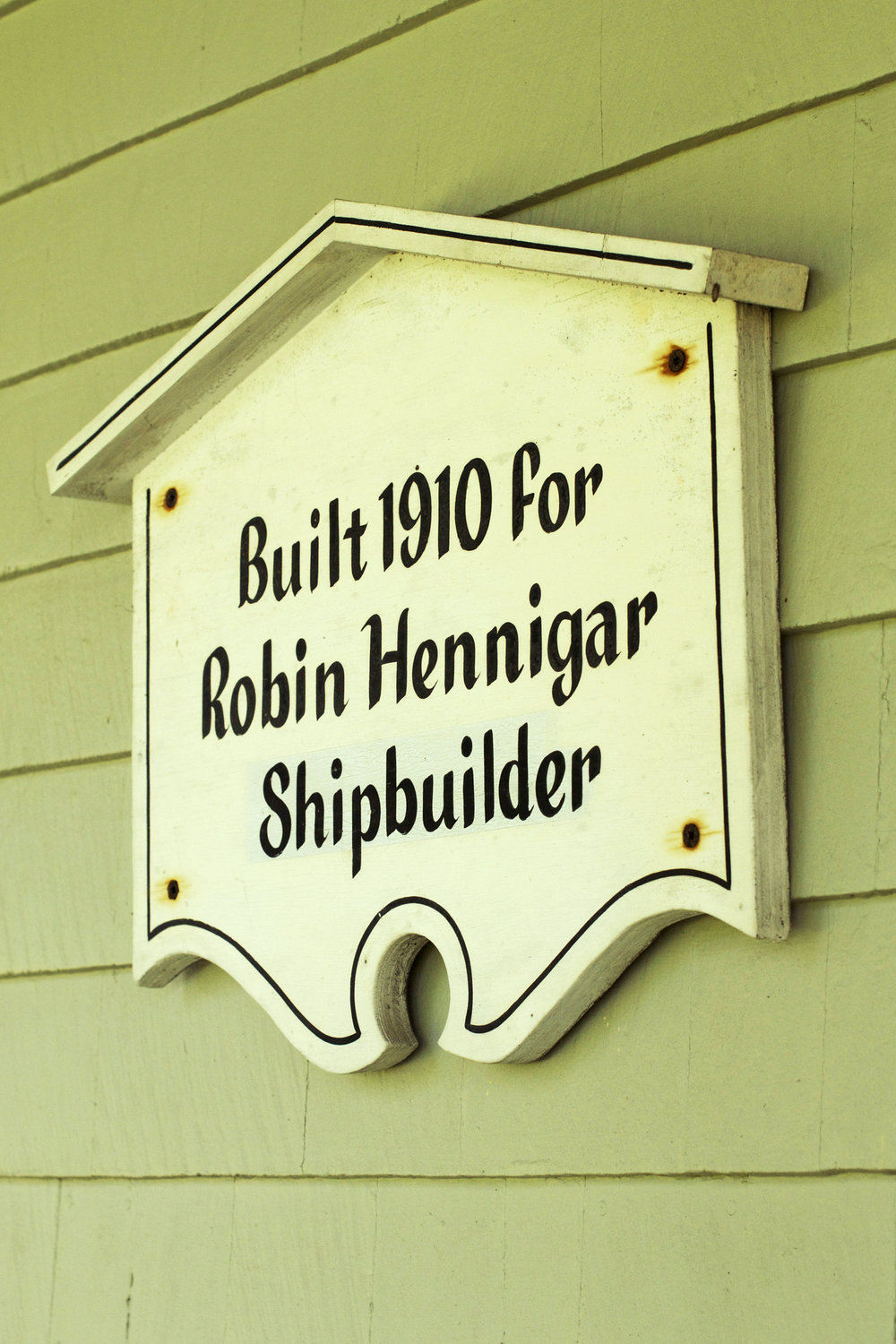 built-in-1910-sign.jpg