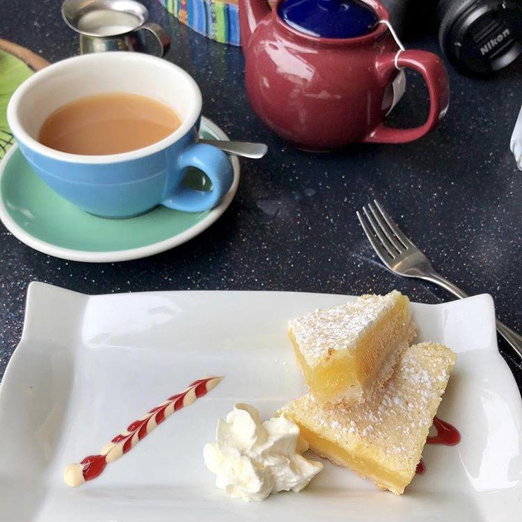 kiwi-cafe-lemon-square.jpg