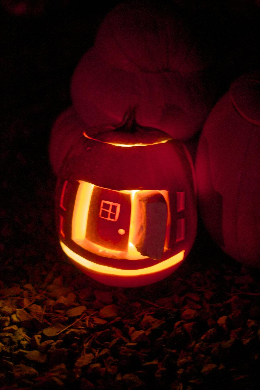 front-door-pumpkin.jpg