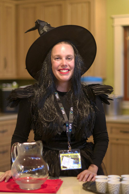 witch-serving-brew.jpg