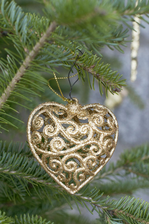 gold-spiral-heart-close-up.jpg
