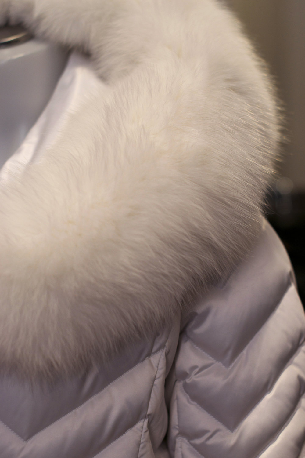 white-fur-collar-puffy-coat.jpg