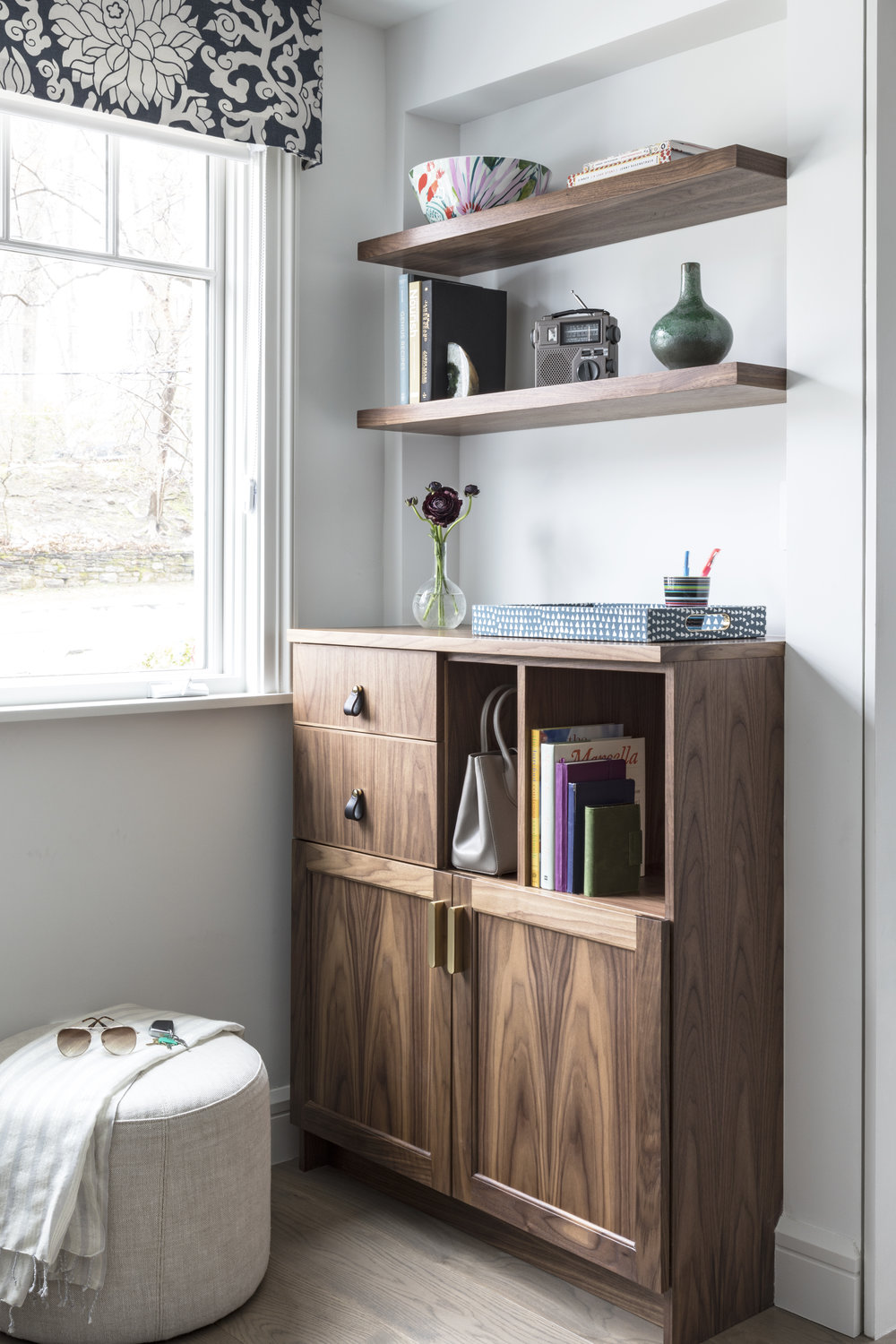 Custom-Wood-Entry-Console-Organizer-Charging-Station-Jmorris-Design-Interior-Designer-Brooklyn-Online-Edesign.jpg
