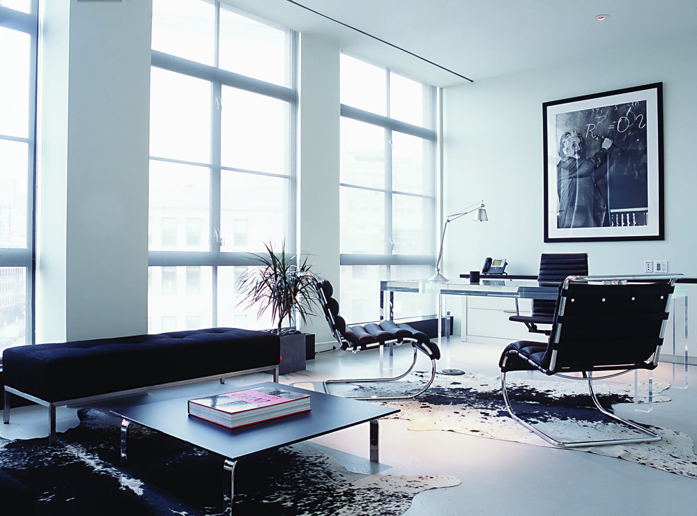 Theory-New-York-Headquarters-Black-Office-Chair-White-Modern-JMorrisDesign-Brooklyn-Interior-Designer.jpg