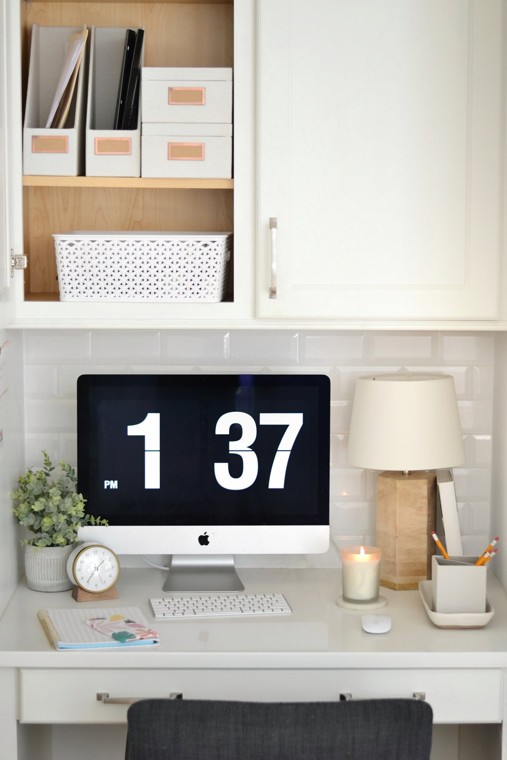 The Secrets to an Efficient Kitchen Desk You Actually Use!