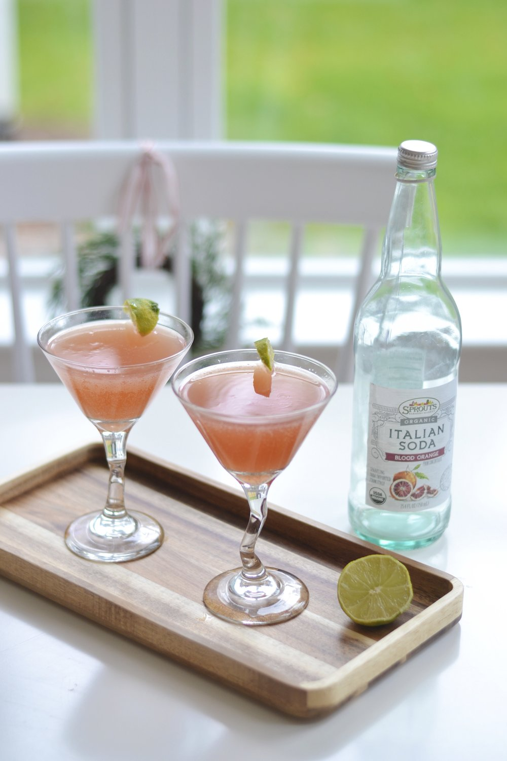 The Lazy Girl's Guide To Easy Holiday Entertaining: Recipe for 3 Ingredient Blood Orange Martini!