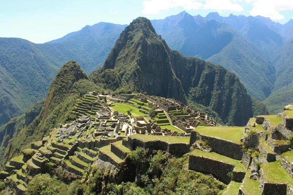 Travel blog city guide to Cusco, Machu Picchu, and the Sacred Valley for budget backpackers in Peru.