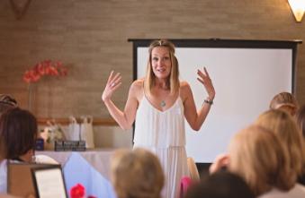 Public speaking Wellness with Mamma Jones - Nikolett Jones