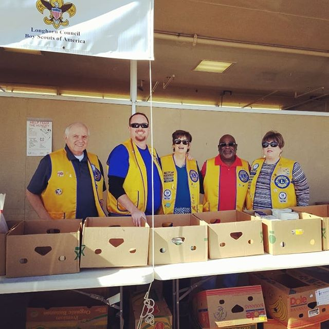 Proud to be out and about with the Killeen Lion's Club, collecting food for the needy at the #KWTXFoodforFamilies  food drive here in #Killeen! Stop by today at your nearest participating drop off point and join us! You can find a full list here: https://bit.ly/2BcDmhy  #foodforfamiles #familystrong💪