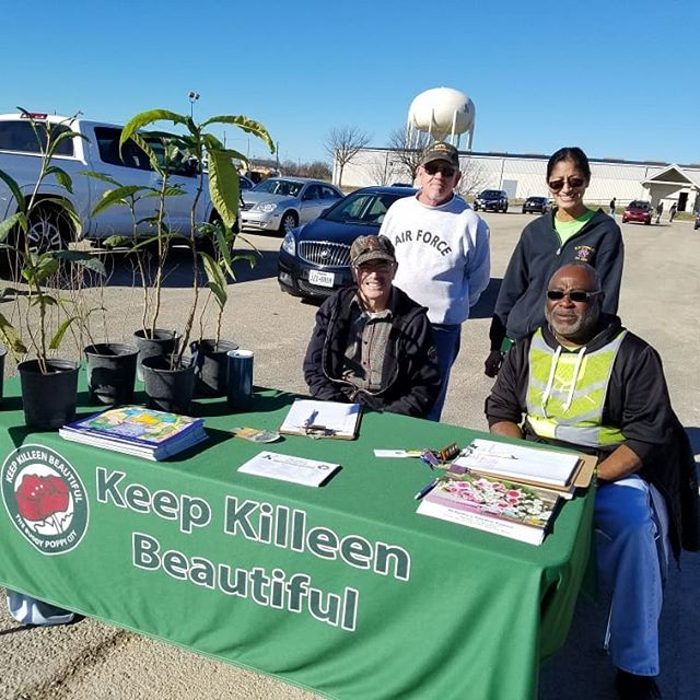 Helping out with the Keep #Killeen Beautiful Committee. We'll be at the Killeen Special Event Center located on WS Young Drive collecting #ChristmasTrees for recycle from residents of the city. We are here today from 9am to 2pm.