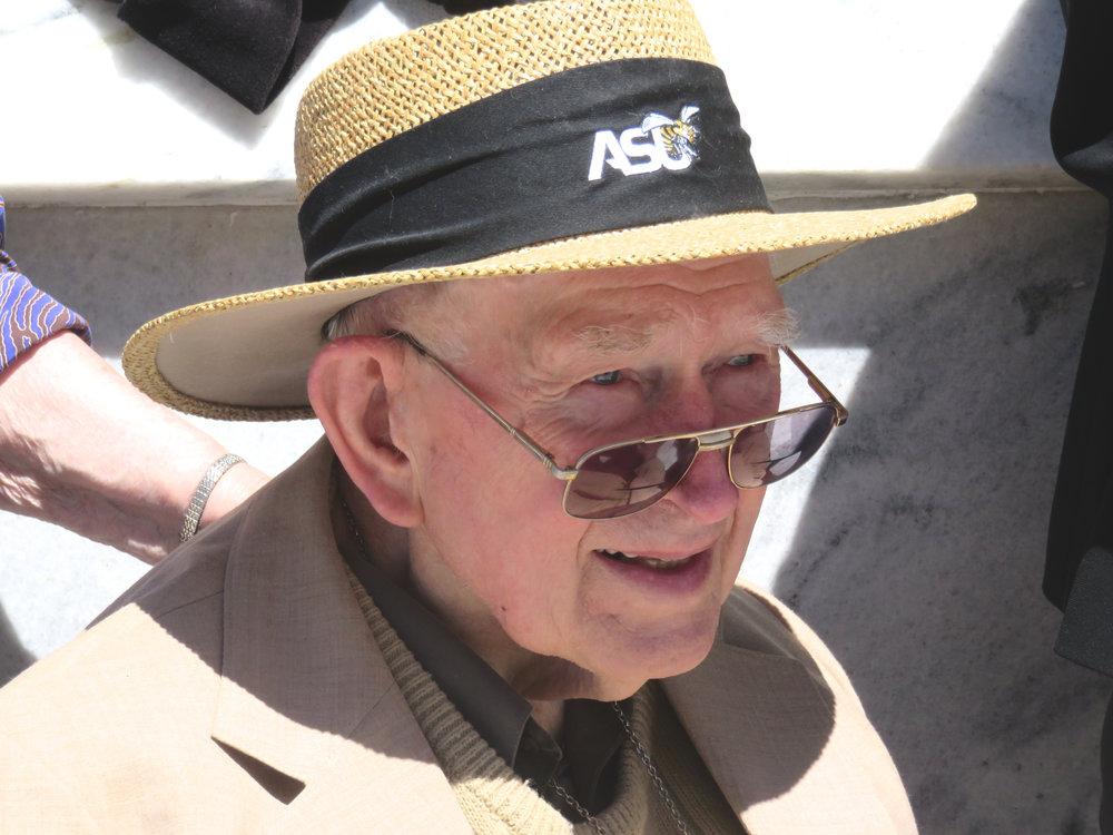 2017-4-9 MLK Rev Graetz demo straw hat.jpg