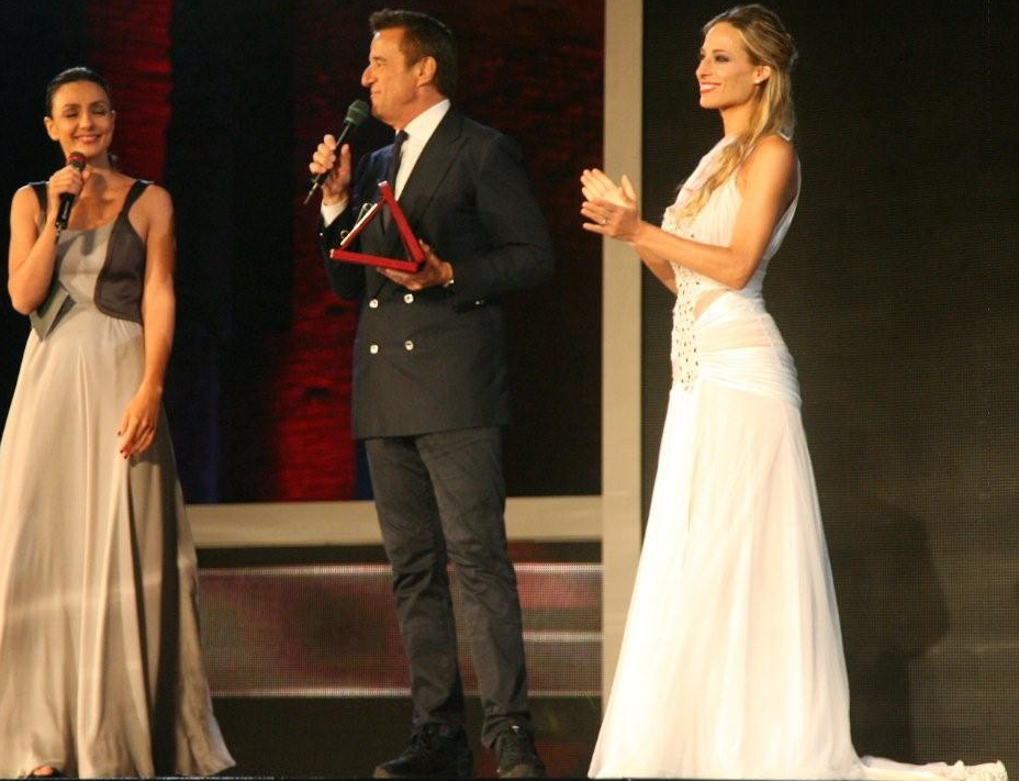 Jessica onstage with beloved actors Ambra Angiolini and Cristian De Sica for Italy's annual film industry awards night, the Nastri d'Argento